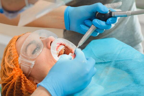 ניתוחי חניכיים
